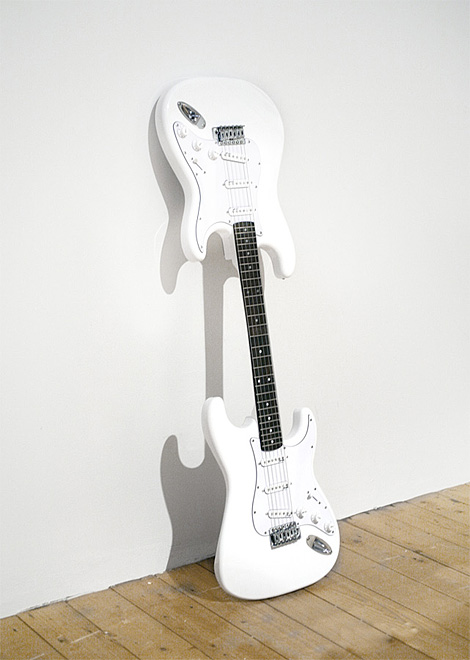 Stratocollapster : Double Body Guitar With a Single Neck