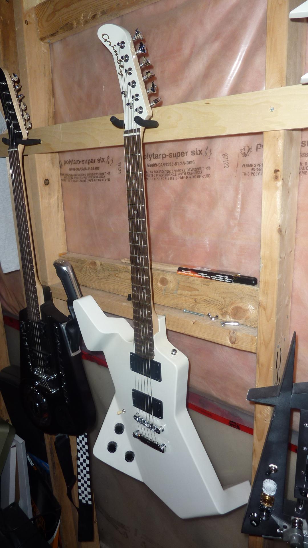 Bent-Guitar