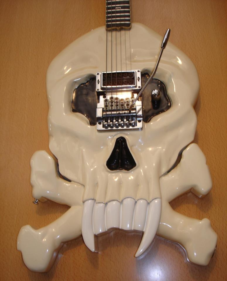 Dracula-Guitar-Skull