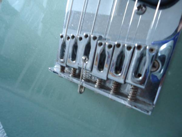 Guitar-Saddle-Safety-Pin
