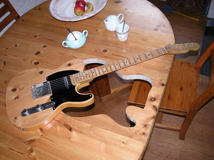 Telecaster-Table