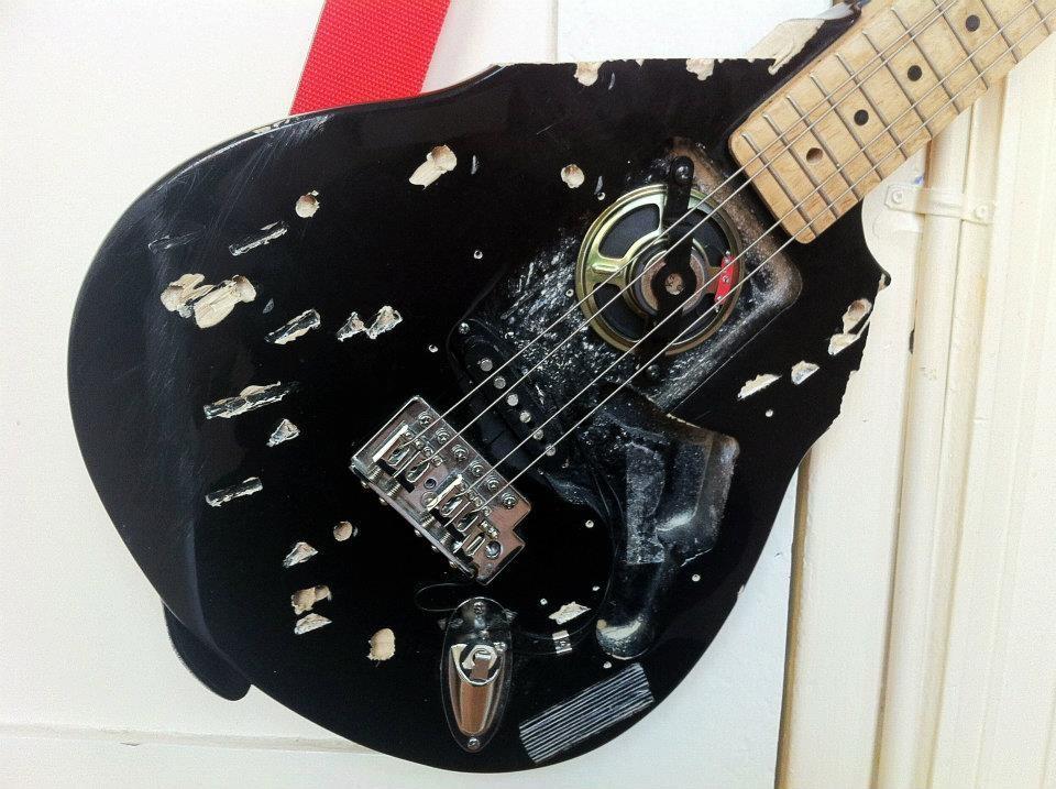 Guitar-Mess-2