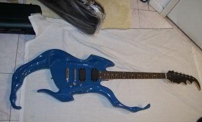 Weird-Blue-Guitar