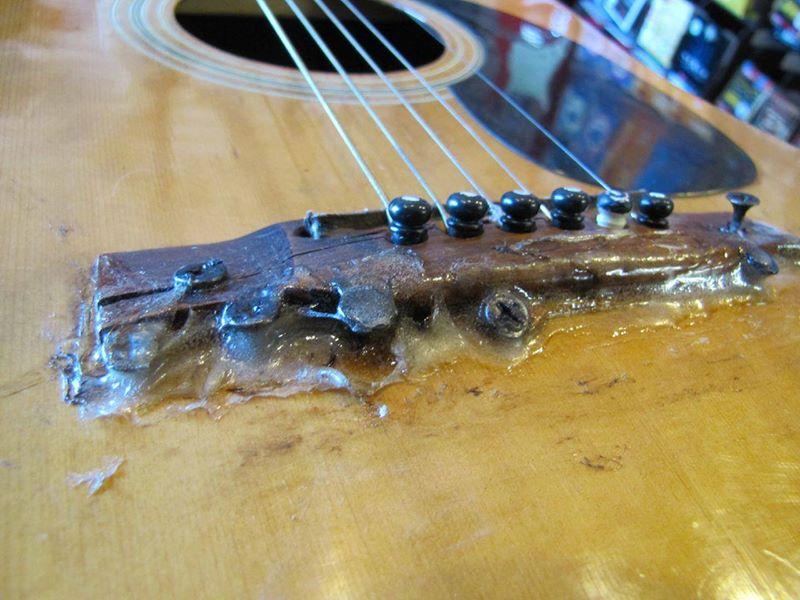 Acoustic-Guitar-Repair